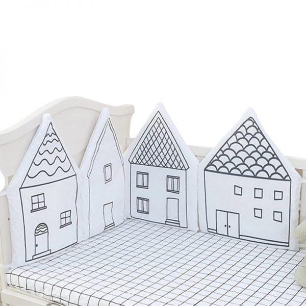 protector de cama o cuna casita blanco y negro